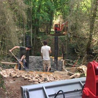 Mise en place des piliers passerelle bois - Blois - Passerelles 43
